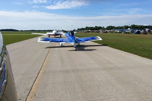 Taxing for depature, behind Paul Dye and Louise Hose's stunning RV-3